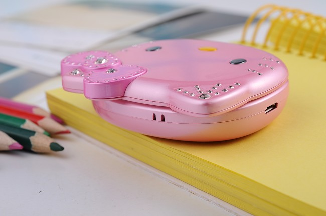 Cats K688 Cell Phone Mobile Bluetooth MP3 MP4 FM Camera Dual Sim Cards